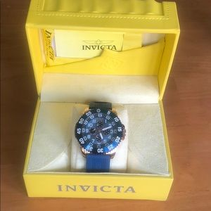 New blue & gold Pro Diver collection by Invicta